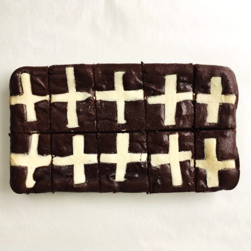 Hot Cross Brownies – serves 10
